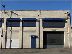 Blue and white, Digbeth, Birmingham (Wagsy Wheeler) Tags: birmingham digbeth building office business blue white blueandwhite bluewhite lamp streetlight shutter shutters sky reast reastreet goodsin