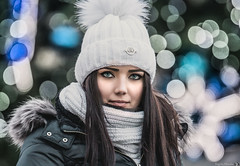 Polish girl portrait (Vagelis Pikoulas) Tags: polish girl woman portrait eyes beauty beautiful canon 6d tamron 70200mm vc bokeh krakow poland europe travel november autumn 2017 christmas lights