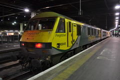 Freightliner 90045 (Will Swain) Tags: 23rd november 2017 train trains rail railway railways transport travel uk britain vehicle vehicles country england english greater london capital city south east euston station freightliner 90045 class 90 045