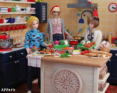 Do What You Love: Cook (APPark) Tags: dolls fashionroyalty 16scale dioramas sininthecity hobbies miniatures rement orcara kitchen cooking dinnertime momoko lacymodernist preppygirl littleredridinghoodyuri vegetables bread nufantasy