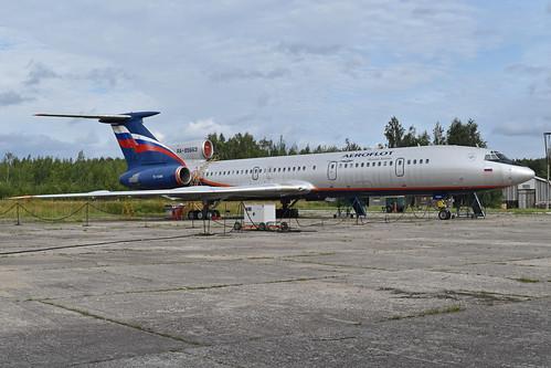 Tupolev Tu-154M 'RA-85663'