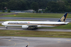 SINGAPORE AIRLINES B777-300ER 9V-SNC 001 (A.S. Kevin N.V.M.M. Chung) Tags: aviation aeroplane aircraft airport changi plane apron spotting boeing b777300er b777 singapore sin worldliner