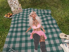 eh (Cookies Chance) Tags: firestorm secondlife bored chilling hi