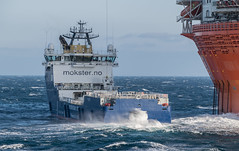 Stern to Wind (SPMac) Tags: stril barents simon møkster shipping vard psv06 lng arctic circle sea norway lights eni norge goliat fpso 71227 floating production storage oil gas stern wind spray waves hook cargo