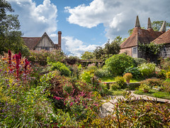 Great Dixter, East Sussex (Bob Radlinski) Tags: eastsussex greatbritain greatdixterhouseandgardens hha kentalbum northiam uk travel oasthouse england