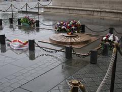Picture 074-2.jpg (peter samuelson) Tags: paris2004oktober resor paris2004 eiffeltower ladefense france triumpharc monmartre sacrecoeur unknown soldiers grave