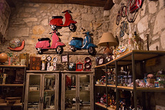 _SAM5174 (Manolo Agudelo) Tags: antiquities girona shop colorful vespa