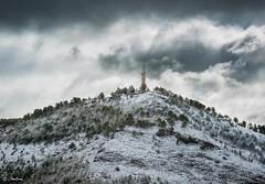 Cerro Socorro (molina09) Tags: cerrosocorro cuenca molina nikon d800 sagradocorazón pinos nieve nubes cielo arboles nevado