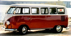 Austin-Lake-Split, 1997 (chilsta) Tags: 1967 vw volkswagen splitscreen camper microbus splitty restored austin texas reservoir oldbus 1997 deluxe