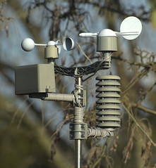 61. Gadget_Contraption (Gon4Lunch) Tags: weather station recording contraption gadget