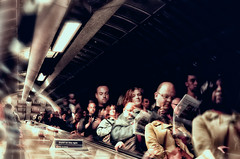 Stand on the right (☺dannicamra☺) Tags: nikon d5100 personen people tube unterground ubahn bokeh