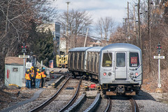 Standing in the Clear (Nick Gagliardi) Tags: train trains railroad staten island railway sirt sir mta metropolitan transit authority new york city ny nyc electric r44 me2 mue2 cpl color position light old town
