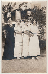 Vintage Photo Postcard : 4 West Bend Ladies & ONE Photobomber!!! (CHAIN12) Tags: vintage photo scan scanned postcard younglady woman girl group lineup photobomber photobomb westbend wi conga line phtfndrca1910rppctrakatportrait4ladies