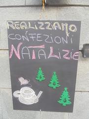 188 (en-ri) Tags: natale christmas nero gesso verde pini sony sonysti lavagna regali presents giallo rosa caffè amore love