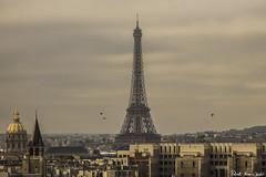 The Eiffel Tower from Arc de Triomphe - La Torre Eiffel desde el Arco delTriunfo (RobertoHerreroT) Tags: eiffeltower toureiffel torreeiffel paris parigi france francia canon canon1100d canonista canonistas robertoherrerotardon city ciudad