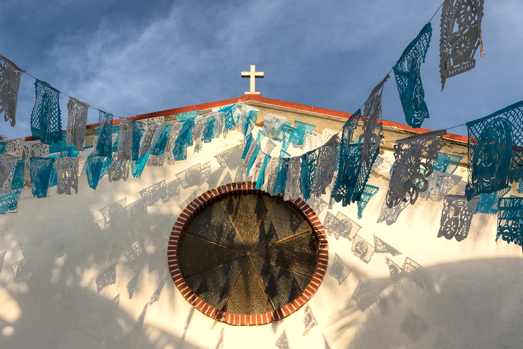 hispanic and latino spirituality paper At the same time, more than eight in 10 report receiving health information from alternative sources, such as television and radio, according to a pew hispanic center (phc) survey of latino adults, conducted in conjunction with the robertwood johnson foundation (rwjf).