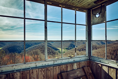 Kentucky Fire Tower View (matthewkaz) Tags: firetower tower hickoryflatsfiretower elklick foothills trees sky danielboonenationalforest clouds rowancounty spring morehead kentucky 2017