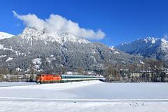 2143.21, Oberstdorf by Manuel Schmid - Heute konnte ich im winterlichen Oberstdorf die blutorange SVG 2143 ablichten. Am Haken hatte sie einen ALX nach Immenstadt.