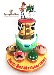 Toy Story Cake & Cupcakes (Scrumptious Buns (Samantha)) Tags: wpkidscakes toystorycake woody buzz jessie mrpotatohead dinosaur birthday cake birthdaycake 2tier novelty scrumptiousbuns norwich norfolk