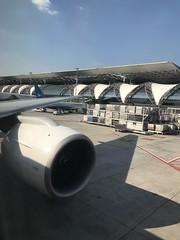 Parked at gate (Khunpaul3) Tags: thai airways b777200er hstjt tg621 aircraft aeroplane airplane aviation boeing royal silk class avgeek gate bkk bangkok thailand airport
