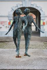 Montceau-les-Mines, ateliers du Jour, sculpture de Roseline Granet (odile.cognard.guinot) Tags: saôneetloire sculpture granetroseline ateliersdujour montceaulesmines bourgognefranchecomté bourgogne 2012 71