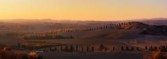 Atardecer en la Toscana... (Panorama) (protsalke) Tags: toscana sunset colors beautiful calm tuscany italy warm sun light sky atardecer colores calido