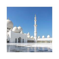 Sheihk Zayed Mosque (posterboy2007) Tags: sheihkzayedmosque abudhabi mosque courtyard muslim islam white marble