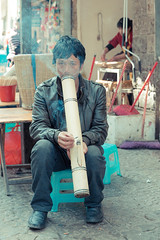 _62A1553 (gaujourfrancoise) Tags: china chine yunnan gaujour waterpipes pipesaeau portrait streetphotography streetphotographie