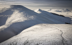 Scald Law -in explore (Ela Dzimitko) Tags: winter snow pentland pentlandhills pentlands scaldlaw scald scotland edinburgh canon2470f28 canon5dmk4 outdoors outdoor landscape people path hills mountains mountain hill walking hillwalking sunshine weather niceday eladzimitko