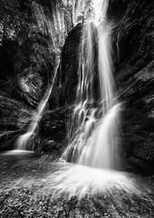 Wet Rocks (karo.perez73) Tags: landschaft wasserfall stein sw