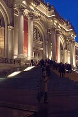 ... leaving the Met ... (jane64pics) Tags: newyork met themet metropolitanmuseum metropolitan night evening building museum closing closingtime leavingthemet janefriel janefriel2018 city citylights eveningsky eveninglight people