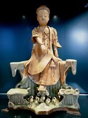 Longquan figure of Guanyin, 1300-1400 (jacquemart) Tags: britishmuseum london longquanfigureofguanyin 13001400