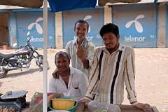 Smile (2) Farmer's Market, Nashik, India. (Journey CPL) Tags: india indian street farmer market smile men young friendly friend culture happy cultural
