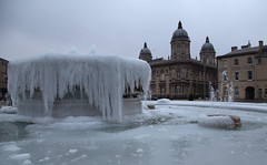 Frozen (andysimspon) Tags: asimages ice frozen fountain hull hullcityofculture cold freezing water