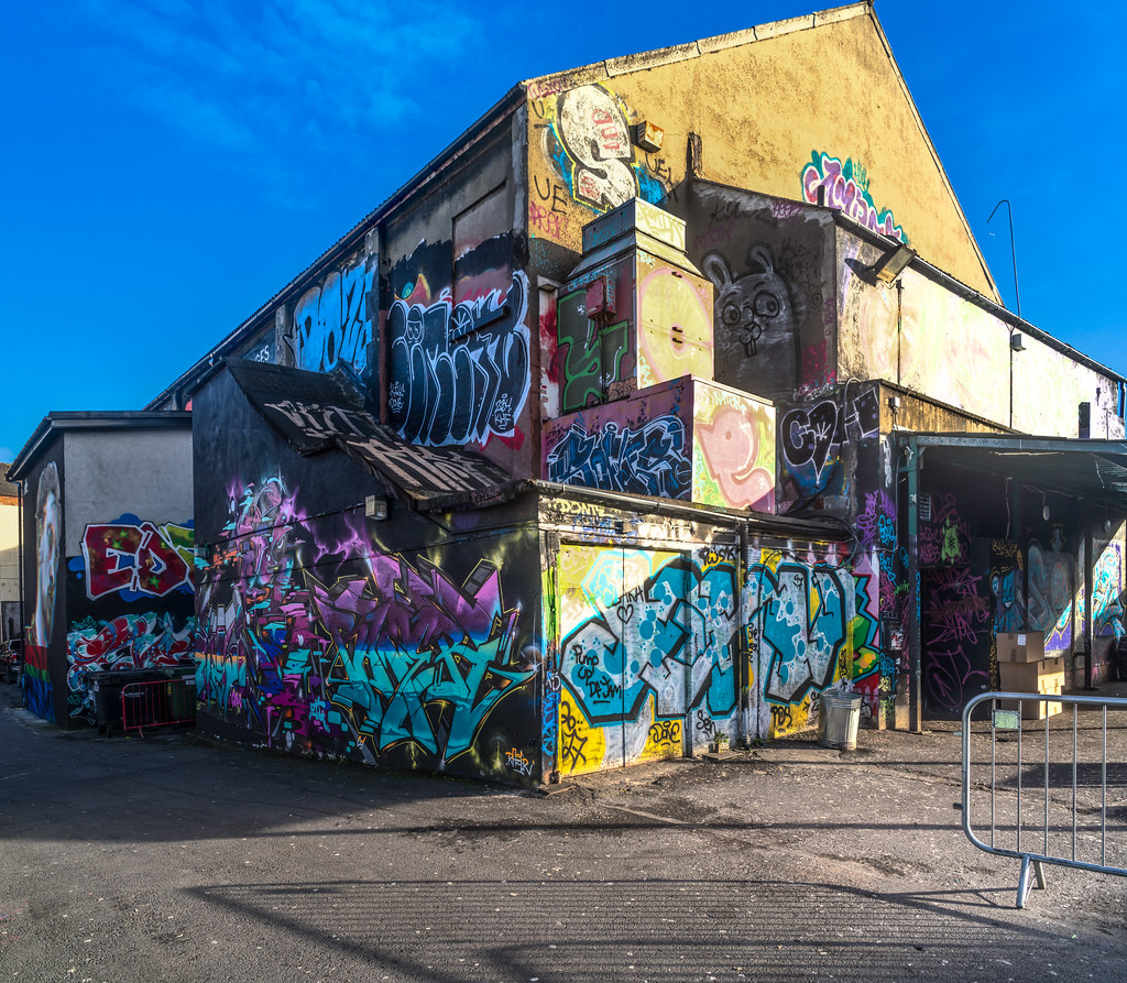 STREET ART AT THE TIVOLI CAR PARK IN DUBLIN [LAST CHANCE BEFORE THE SITE IS REDEVELOPED]-135622