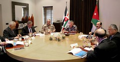 جلالة الملك عبدالله الثاني يستقبل المدير العام للمؤسسة الاقتصادية والاجتماعية للمتقاعدين العسكريين والمحاربين القدامى اللواء الركن المتقاعد أحمد العجارمة (Royal Hashemite Court) Tags: kingabdullahii economic social association retired servicemen veterans jordan الأردن