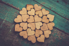 H.E.A.R.T.S (Ayeshadows) Tags: hearts pattern wooden pieces shaped green macro monday