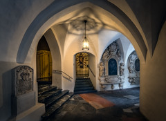 Cloister in the Franciscan Monastery in Graz (Bernd Thaller) Tags: graz austria franziskanerkloster franciscanmonastery cloister monastery lamp shadow pattern inscriptions light indoor building architecture ceiling d850