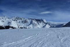 Vichères (bulbocode909) Tags: valais suisse vichères valdentremont pistesdeski ski montagnes nature hiver neige nuages paysages massifdescombins bleu