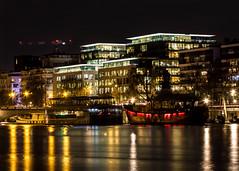 Le BATOFAR et la Barge du CROUS (Daniel_Hache) Tags: paris night nuit seine flickrchallengegroup