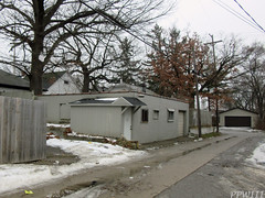 Alley Business? (PPWIII) Tags: grandrapids division alger alley rainbow motel garage office business