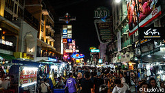 Khao San Road, Bangkok, Thaïlande (Lцdо\/іс) Tags: khao san road bangkok th thailande thailand thailandia thai street night nightcity party travel tourisme touriste voyage vacance vacation lцdоіс urban lights neon