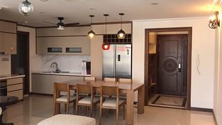Chính chủ cần cho thuê căn hộ The Lancaster 20 Núi Trúc dt 123m2, 3 ngủ full đồ giá 34 triệu Lh 0982100832