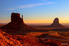 Sunrise at Monument Valley (xiaoping98) Tags: sunrise monumentvalley utah arizona theviewhotel