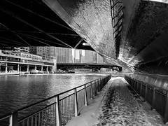 Shimmer (ancientlives) Tags: chicago chicagoriver river walking blackandwhite bw mono monochrome reflections shimmer wednesday 2018 winter january streetphotography snow ice cold freezing riverwalk