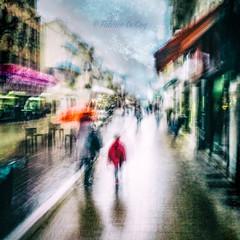 L'imaginaire des hommes (Fabrice Le Coq) Tags: agen personnes route flou ville street fabriclecoqfotocom