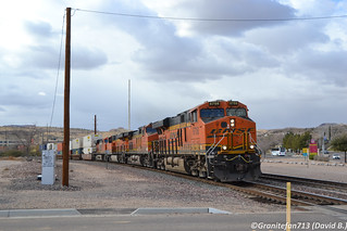 BNSF 6708 GE ES44C4