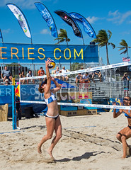 Match 53: Round of 24: USA vs. Russia (cmfgu) Tags: craigfildesfineartamericacom fédérationinternationaledevolleyball internationalfederationofvolleyball fivb swatchfivbbeachvolleyballmajorseries worldtour fortlauderdale ftlauderdale browardcounty florida fl usa unitedstatesofamerica beach volleyball tournament professional sun sand tan athlete athletics ball net court set match game sports outdoors ocean palmtrees women woman bikini rus russia россия kellyclaes anastasiavasinabarsuk