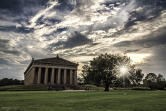 The Parthenon in Centennial Park - Nashville (Tennessee) (Andrea Moscato) Tags: andreamoscato america statiuniti usa unitedstates us shadow sky cielo clouds nuvole ombre light luce sunset sun sunshine star nature natura national natural paesaggio parco park people blue building architecture architettura art museum museo tree albero prato field white evening view vivid vista colonne landscape replica