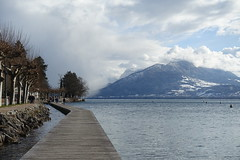 On the boardwalk @ Lake Annecy @ Annecy-le-Vieux (*_*) Tags: annecylevieux annecy hautesavoie 74 france europe 2018 winter hiver february afternoon sunny boardwalk promenade walk planches lakeannecy lacdannecy lake lac